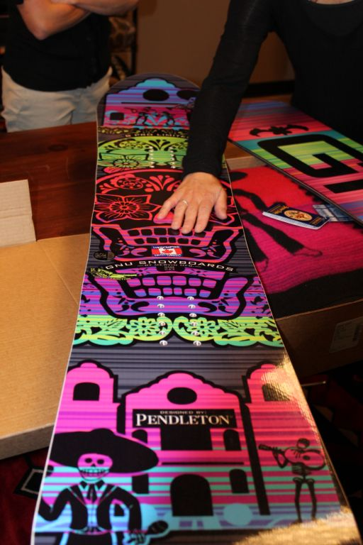 Gnu x Pendleton snowboard