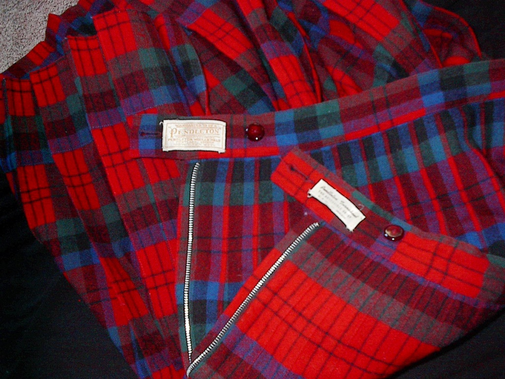 Photo of a reversible skirt, with pleat and label details