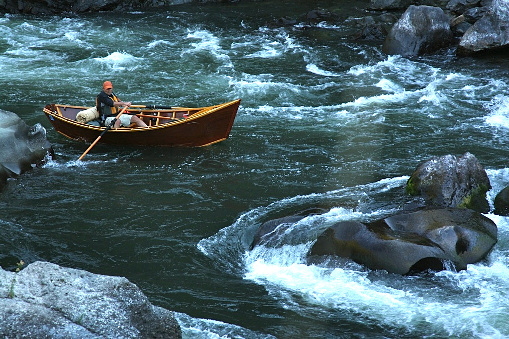 White water and big rocks on the Rogue.
