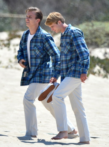 "The Beach Boys go back in time On the Set of ""Love & Mercy"""