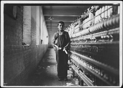 800px-Tony_Soccha,_a_young_bobbin_boy,_been_working_there_a_year._Chicopee,_Mass._-_NARA_-_523488
