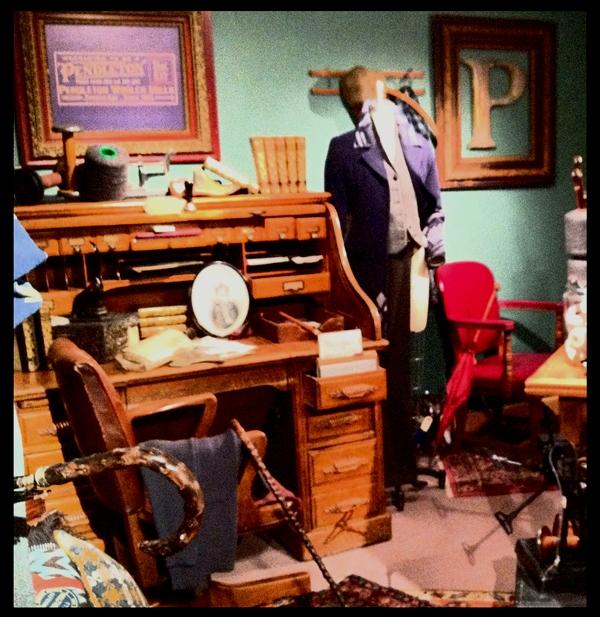 Oregon Historical Society exhibit of Thomas kay artifacts