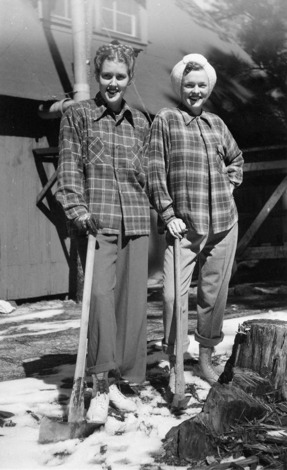 1940s women in Pendleton wool shirts. The fetching ax-wielder on the right looks like Mad men's Peggy Olson AKA Elizabeth Moss, doesn't she?