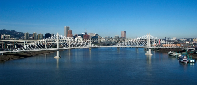 Tilikum_Crossing_Jan_2015_wiki_free use