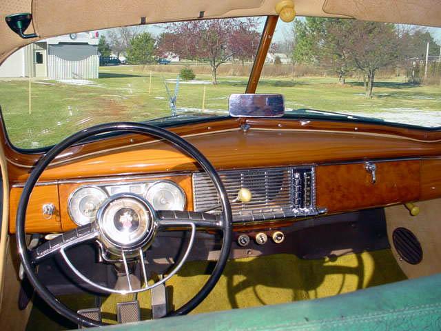 1948 Packard 8 Station Wagon Woodie Woody, dashboard and steering wheel