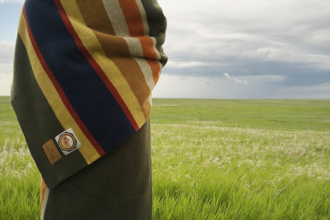 closeup of the blanket and label, prairie grass