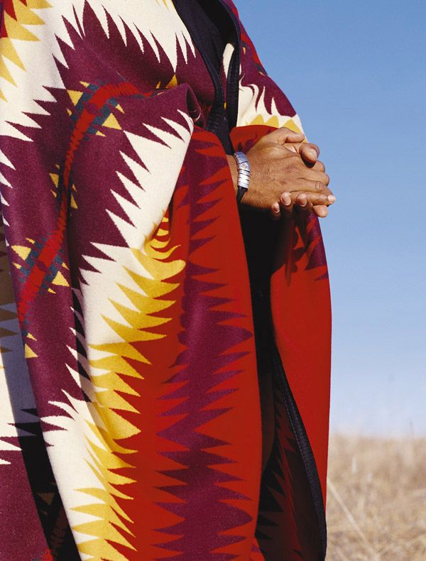 Geronimo blanket, hands