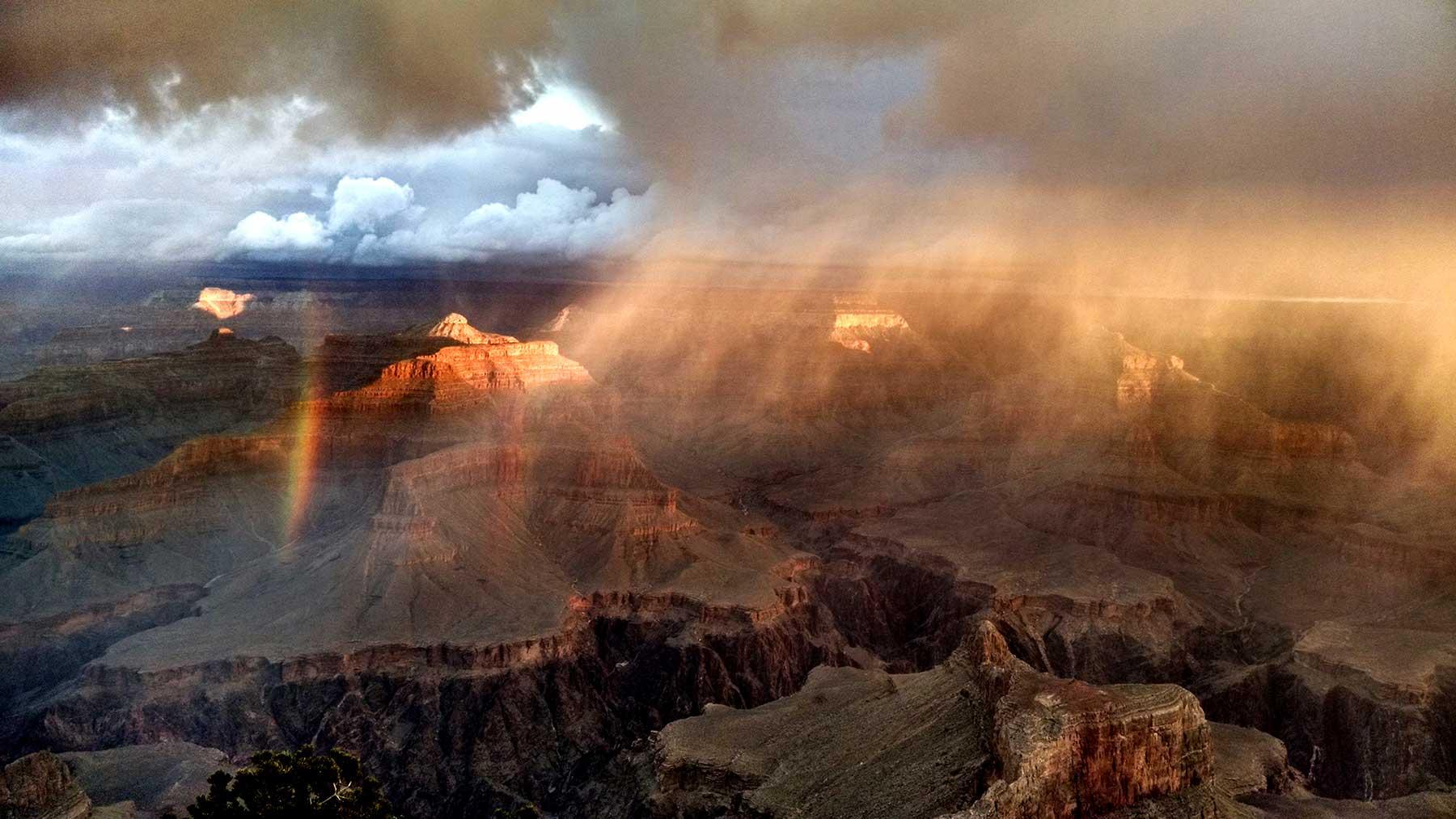 GC-Sunrise-Hopi-Pt-with-rainbow_grandcanyonlodges.com