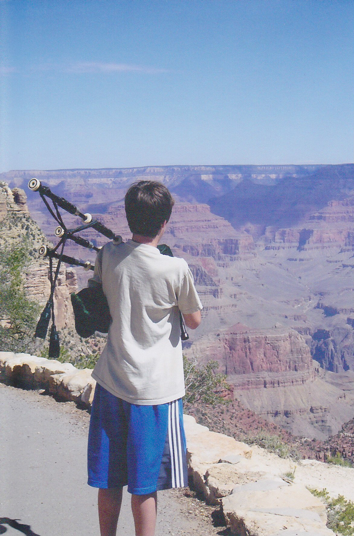 Kyle plays his bagpipes at the rim of the Grand Canyon