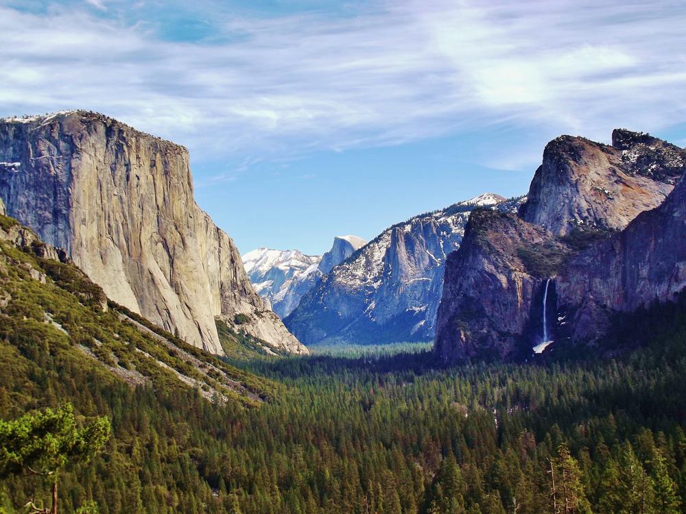 Yosemite_Valley_from_Wawona_Tunnel_view