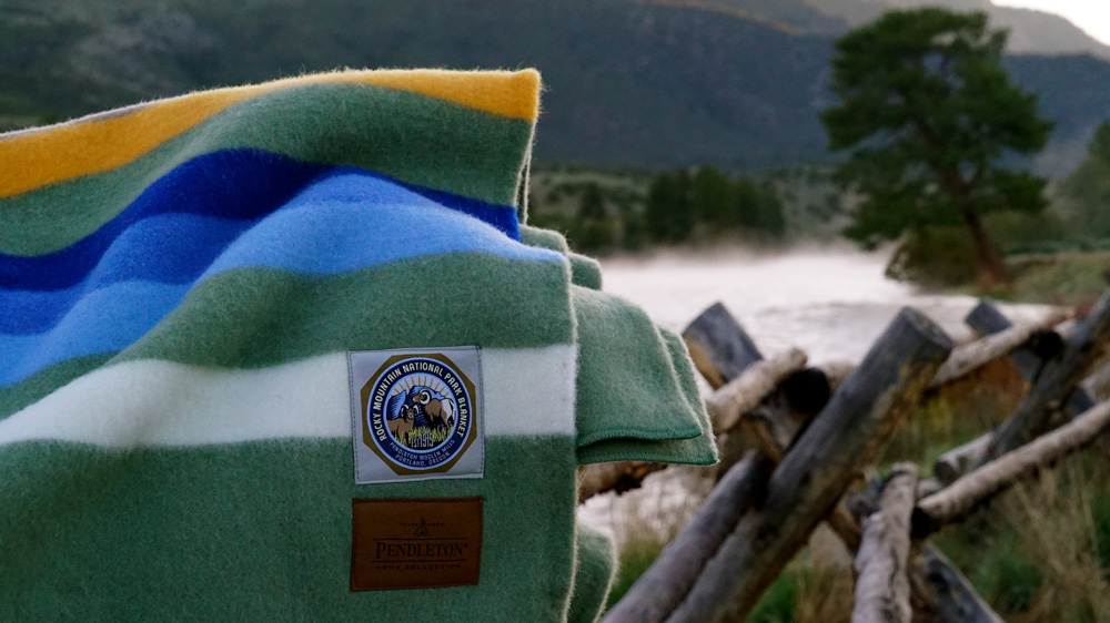 Closeup of the label on a ROcky Mountain blanket