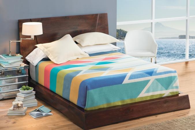 Bed with Serrado bedding