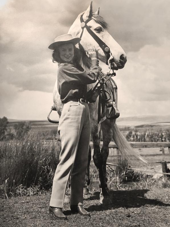 Mea-Alford-RoundUpPrinces-1945