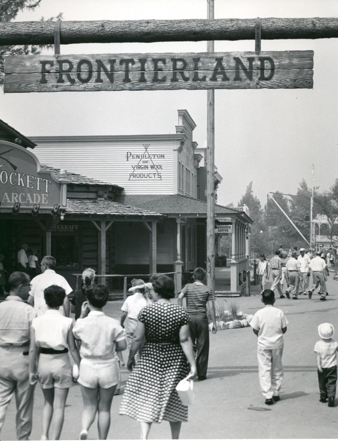 A photo from the Pendleton archives of the Pendleton store in Disneyland: entrance near the Frontierland gate