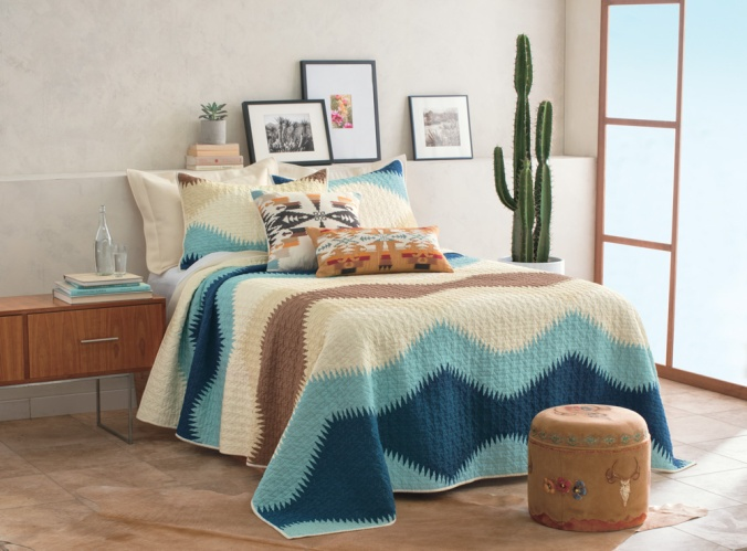 The Pendleton Saguaro cotton quilt set
