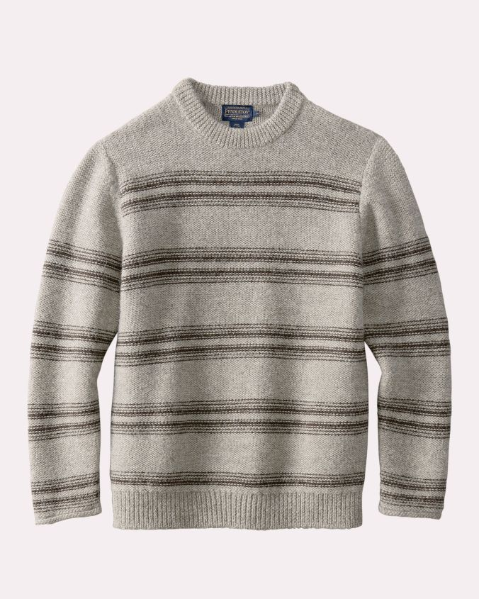 A men's sweater in knit alpaca, in soft grey/beige stripes.
