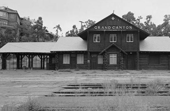 An old black and white photo of the Grand Canyon depot.