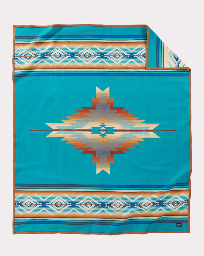 The front of the Pendleton Pagosa Springs blanket.