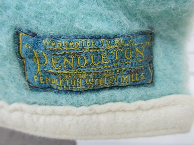 embroidered label on 1926 version of the Pendleton National Park blanket.