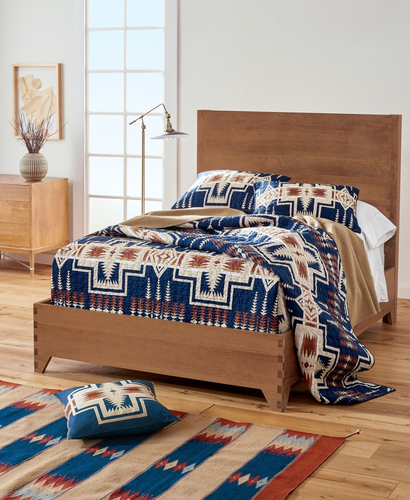 Harding bedding set.