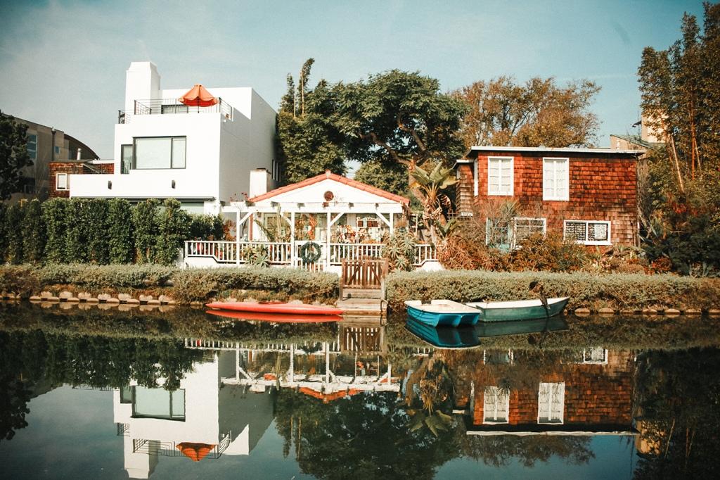 Venice Canal CA homes, Photo by tamara garcevic on Unsplash